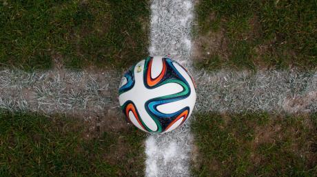Am zweiten August-Wochenende geht es für die Allgäuer Amateurfußballer von der Kreisliga abwärts wieder los. Dann wird die neue Saison angepfiffen.