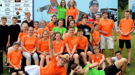 Die Derndorfer Schützen-Jugend trat beim Sommer-Biathlon des Schwaben-Cups in Nesselwang ganz in Orange an.