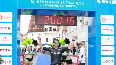 Triathlet Dominic Wimmer beim Triathlon Beilngries. Platz sechs auf der Olympischen Distanz.