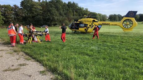 Nach Dettenschwang musste der Hubschrauber kommen: Kauferings Torhüter Salim Fagieri war mit einem Gegenspieler zusammengestoßen und zog sich Gesichtsverletzungen zu.