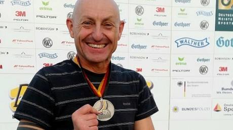Bei den deutschen Meisterschaften sicherte sich der Gundelsdorfer Neuzugang Roland Obermaier in seiner Klasse den Vizetitel. Am Sonntag startet der 52-Jährige mit den Tagbergschützen in die neue Saison.