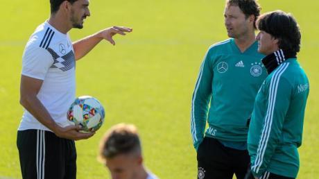 «Diese Mannschaft ist sehr jung und spielt einen sehr gepflegten, schnellen Fußball», warnte Löw vor der Niederlande.