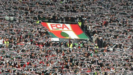 Zwischen Fans des FCA und von Mainz 05 ist es in einem Regionalzug zu Auseinandersetzungen gekommen.