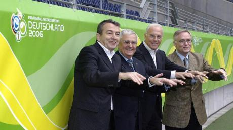 Das Präsidium des Organisationskomitees der WM 2006: Wolfgang Niersbach, Theo Zwanziger, Franz Beckenbauer und Horst R. Schmidt (v.l.).