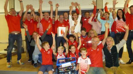 Jubel beim TSV Neuburg: Die Läufer gewannen die Teamwertung beim Sport-IN-Laufcup.