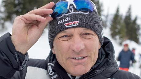 Alpin-Direktor Wolfgang Maier sehnte für den Weltcup-Auftakt in Sölden Schnee herbei. Maier wurde erhört, allerdings im Übermaß. Das Männer-Rennen musste wegen zu viel Schnees abgesagt werden.