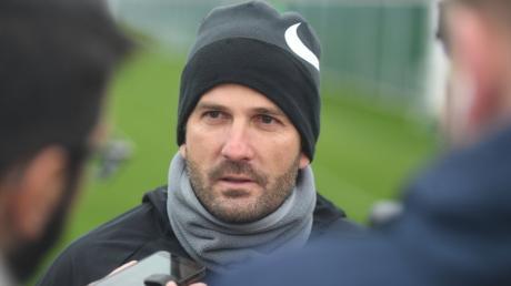 Manuel Baum hatte nach dem Training einiges zu sagen. Mit dem Resultat in Hoffenheim war er überhaupt nicht einverstanden.