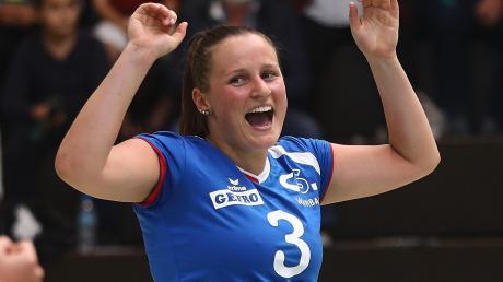 Libera Lynn Drigalski und die Volleyballerinnen der DJK Augsburg-Hochzoll empfangen am Samstag den TV Altdorf in eigener Halle.
