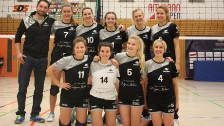 Gut gelaunt präsentieren sich die Schwabmünchner Volleyballerinnen. Beim jüngsten Spieltag gab es einen Sieg und eine Niederlage.