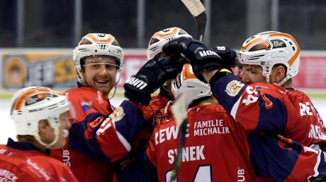 Die Devils Ulm/Neu-Ulm freuten sich über ihren Kantersieg.