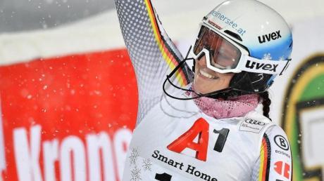 Christina Geiger freut sich über ihre Platzierung beim Slalom in Flachau.