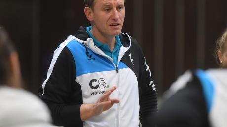 Für Trainer Nikolaj Roppel und sein Volleyballteam ist die Winterpause schon beendet. Am Sonntag steht das Spiel beim TV Altdorf an.