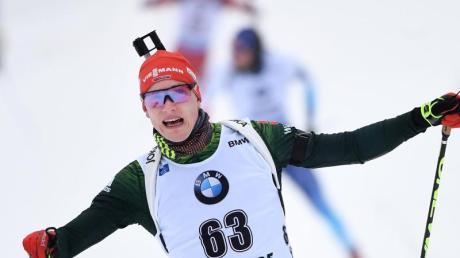 Benedikt Doll geht als Vierter in die Biathlon-Verfolgung.