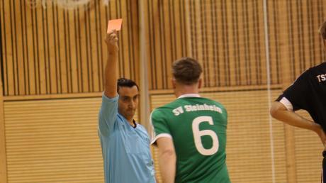 Vorjahressieger SV Steinheim kassierte in der K.o.-Runde zwei Platzverweise.