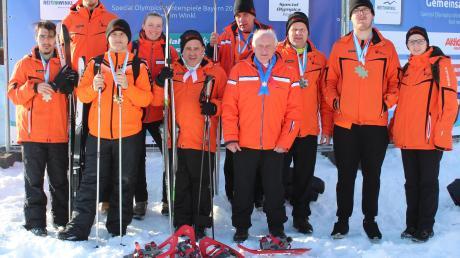 Die sieben erfolgreichen Sportler des Diakonie-Sportteams und ihre Betreuer.