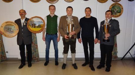 Neben dem Schützenkönig Thomas Eichberger (Mitte) stehen (von links) Georg Schmitz, Moritz Deger, Mario Lindner und Roland Eichberger.