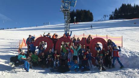 So präsentierte sich die Mannschaft der DJK Leitershofen in Jungholz: lauter strahlende Gesichter bei strahlendem Sonnenschein.