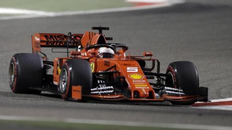 Sebastian Vettel im Ferrari. Formel-1 2020 in Bahrain: Termine, Zeitplan & Live-TV. Free-TV auf RTL?
