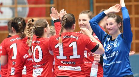 Gewonnen ist noch nichts, aber ein hübscher Teilerfolg ist die Vizemeisterschaft in der Landesliga Nord allemal für die Handballerinnen des VfL Günzburg. Zwischen ihnen und der Bayernliga steht nun noch der Relegationsgegner.