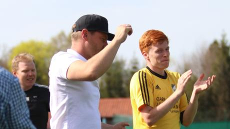 Applaus für den neuen Tabellenführer der Kreisliga Mitte: Der TSV Kammlach überholte am Osterwochenende den TSV Ottobeuren.