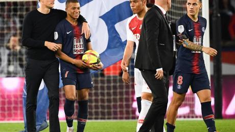 Sein bestes Pferd im Stall: Thomas Tuchel mit Kylina Mbappé, der alle drei Treffer zu Paris St. Germains 3:1-Sieg gegen den AS Monaco erzielte. Einem Wechsel zu Real Madrid erteilte der 20-jährige Ausnahmestürmer nach dem vorzeitigen Gewinn der französischen Meisterschaft eine Absage.