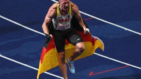 """Im August des vergangenen Jahres feierte """"König"""" Arthur Abele den Sieg bei der Europameisterschaft in Berlin. Jetzt ist der Ulmer Zehnkämpfer verletzt."""