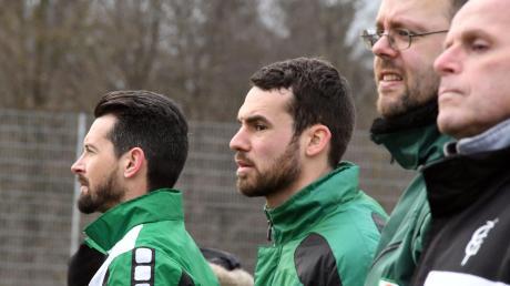 Vom FC Gundelfingen war Bernd Scheu (Mitte) zum SSV Peterswörth gewechselt. Wegen Hüftproblemen ist er jetzt aber nur noch Zuschauer.