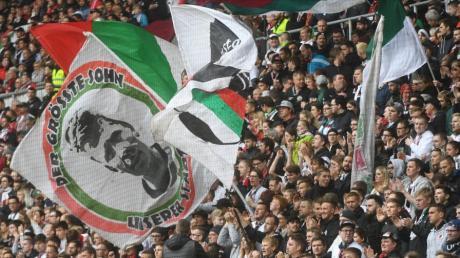 Die DFL hat die Bundesligaspiele bis zum 21. Spieltag terminiert. Der FCA muss an einem Freitag in Frankfurt spielen.