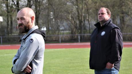 Das Schwabmünchner Trainerduo Christian Wanner (links) und Markus Hanisch erwartet von seiner Mannschaft mindestens einen Punkt, damit der Klassenerhalt in trockenen Tüchern ist.