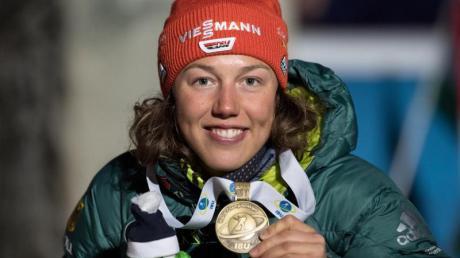 Biathlon-Star Laura Dahlmeier hat überraschend die sportliche Karriere beendet - jetzt startet ihre Karriere als Kommentatorin.