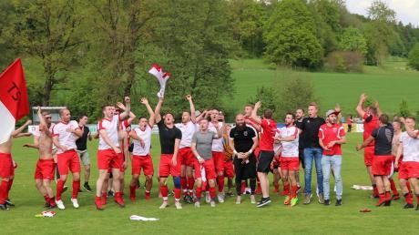 Der TSV Fischach hat den Aufstieg in Walkertshofen schon geschafft. Doch vielleicht sehen sich die beiden Kontrahenten der vergangenen Woche in der nächsten Saison in der Kreisklasse wieder.