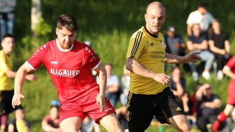 In der Vorwoche bezwang der TSV Kammlach um Rafael Freiberger (rechts) in der ersten Relegationsrunde den 1. FC Sonthofen 2. Nun wartet der TSV Neusäß. Selbst eine Niederlage wäre noch nicht das Ende der Aufstiegsträume.