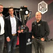 AEV-Team mit CHL-Pokal
