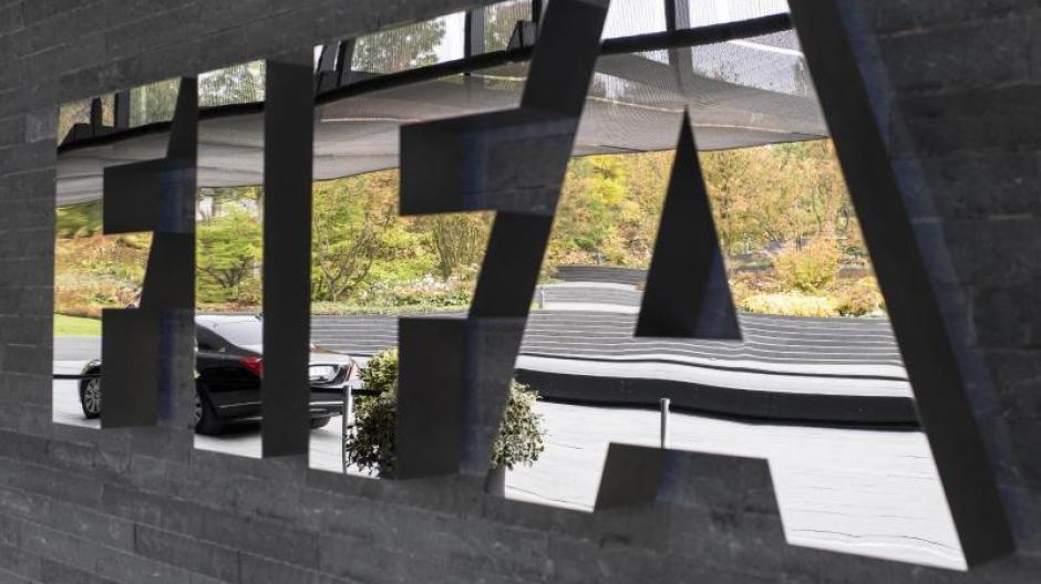 Katar Fifa Bestatigt Verstosse Gegen Arbeitsrecht Auf Wm