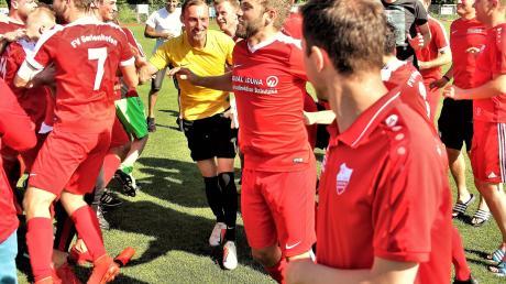 Befreiter Jubel: Dem FV Gerlenhofen reichte ein Unentschieden am letzten Spieltag zur Teilnahme an der Aufstiegs-Relegation.