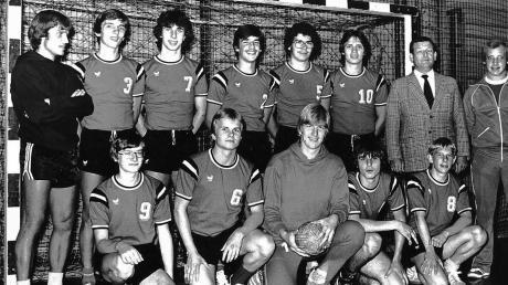 Die Mannschaft von 1979: (Kniend v. l.) Thomas Meier, Peter Lutzenberger, Rainer Schupp, Peter Bitzl, Peter Smotzek (Stehend v.l.) Trainer Rainer G. Leuthold, Harald Schweizer, Jörg Löhr, Uwe Sattler, Jürgen Vogl, Rudi Wiedemann, Betreuer Horst Sattler und Co-Trainer Werner Smotzek.