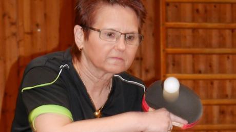 Bei den Männern spielt Hannelore Stowasser in der Landesklasse, bei den Seniorinnen ist sie deutsche Meisterin.
