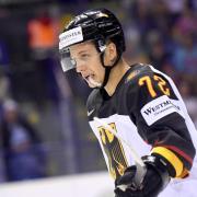 Wechselt innerhalb der NHL: Eishockey-Nationalspieler Dominik Kahun. Foto: Monika Skolimowska/zb