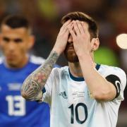 Deprimiert: Lionel Messi steht mit Argentinien vor dem Aus. Foto: Natacha Pisarenko/AP