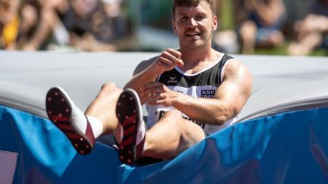 Mit 1,96 Metern im Hochsprung blieb Mathias Brugger zwar zehn Zentimeter unter seiner persönlichen Bestleistung, aber damit konnte er leben. Doch mit dem Stab brachte er keinen einzigen gültigen Versuch zustande.