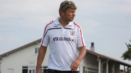Lüko Holthuis trainiert den VfL Kaufering auch in der kommenden Saison.