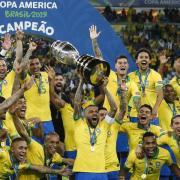 Am 13.6.21 startete die Copa América. Wann Titelverteidiger Brasilien (2019) antritt, Spielplan, Termine und die Übertragung im Stream oder Free-TV – alle Infos dazu hier.