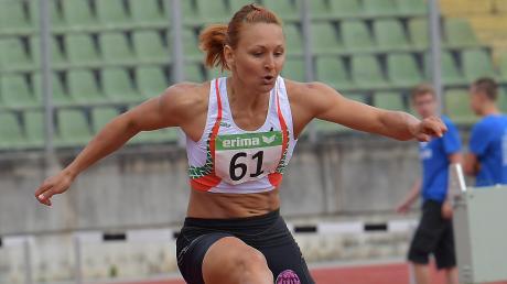 Sonja Keil ist die große Hoffnung der LG Augsburg über 400 Meter Hürden bei der bayerischen Leichtathletik-Meisterschaft im Rosenaustadion.