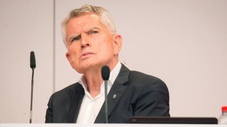 Tritt als Präsident des VfB Stuttgart zurück: Wolfgang Dietrich. Foto:Christoph Schmidt