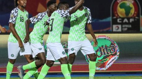 Nigerias Spieler feiern das 1:0 ihrer Mannschaft beim Spiel um Platz drei gegen Tunesien.