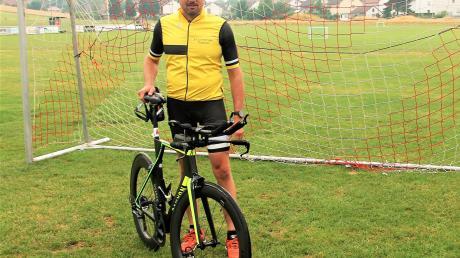 Die Zeit im Fußballtor ist Vergangenheit für Guido Heinemann. Der frühere Keeper des SV Oberelchingen trainiert jetzt auf dem Rad, auf der Strecke und im Wasser für seine neue sportliche Leidenschaft: Den Triathlon.