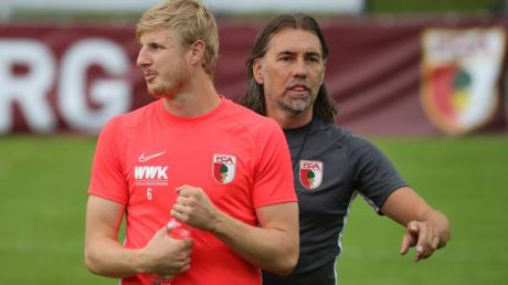 Martin Hinteregger ist angetan vom neuen FCA-Trainer Martin Schmidt - und kann sich deswegen eine Zukunft beim FC Augsburg vorstellen.