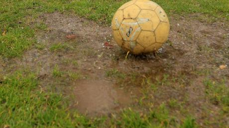 Wegen Regens wurden die Partien zwischen Wemding und Sportclub D.L.P. sowie Wolferstadt und Flotzheim verschoben.