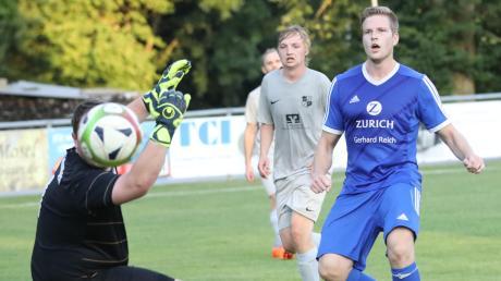 Klingens Peter Rösele (rechts) gelang beim 2:0-Pokalsieg gegen Sielenbach ein Treffer.