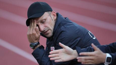 FCA-Trainer Josef Steinberger sah am Freitagabend eine 0:2-Niederlage seiner Mannschaft gegen die Gäste aus Bayreuth.